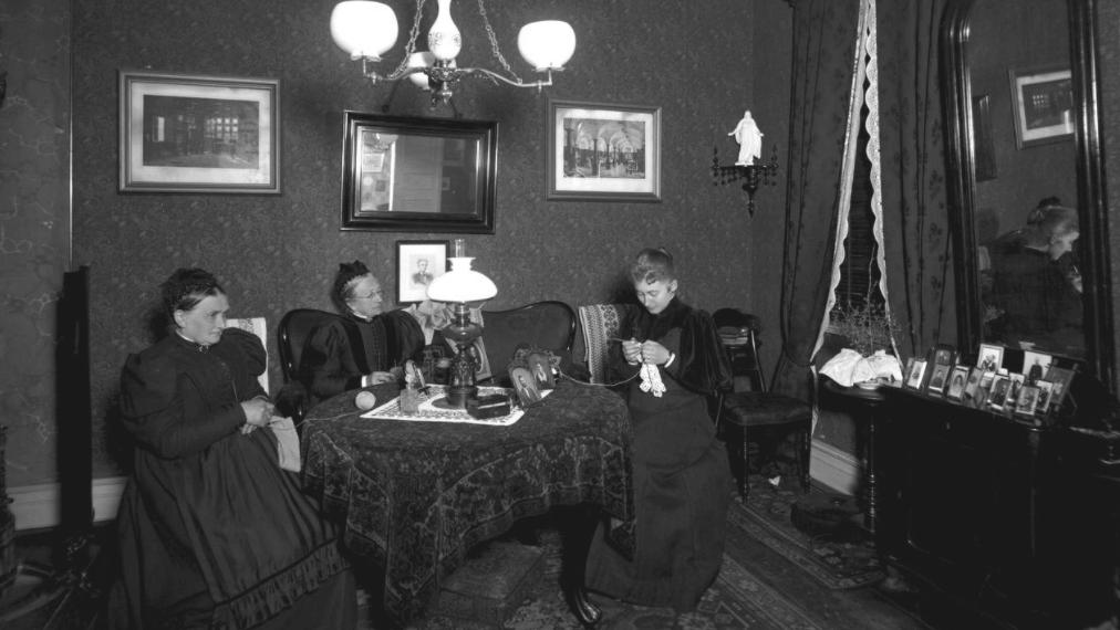 Enkefru Ribers stue ca. 1900
